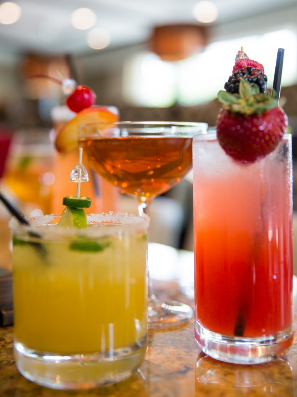 Key Elements For A Successful Cocktail Hour For Your
