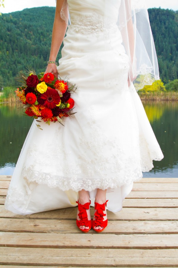 f7a81f4d90 Trendy Tips for Adding a Hint of Color to Your Wedding Attire ...