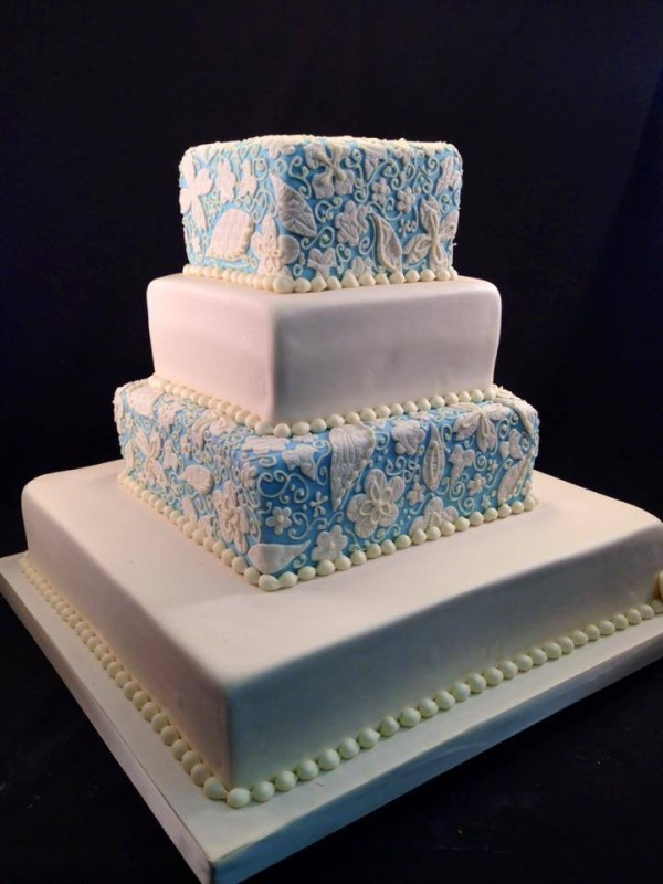 Ways To Reduce Wedding Cake Costs Partyspace - Wedding Cake Costs