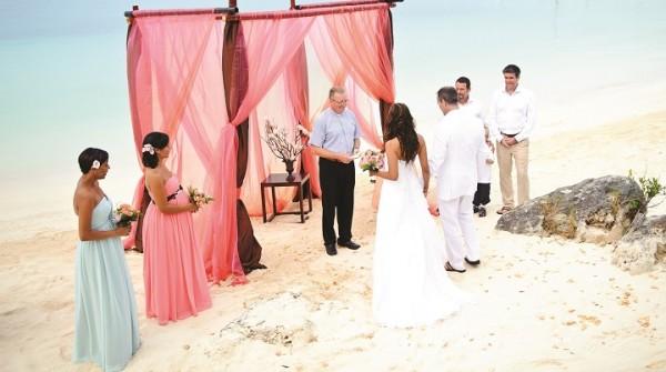 Tips For A Bermuda Beach Wedding