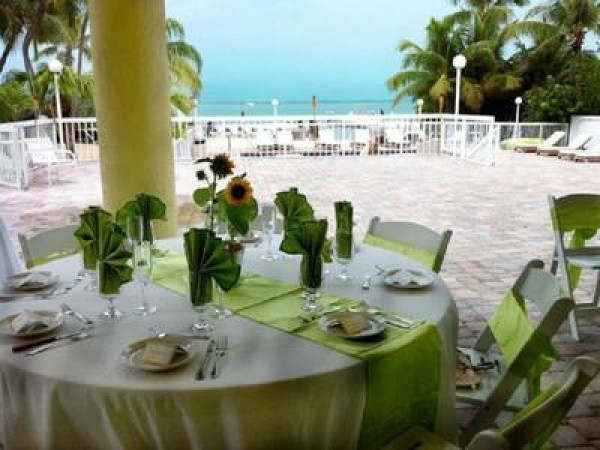 Fabulous South Florida Venues To Book For Your Rehearsal Dinner - Book table for dinner