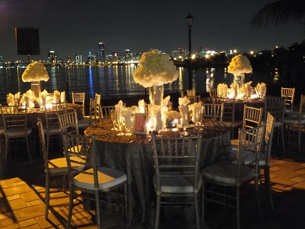 Sunset Cove at Miami Seaquarium Wedding Venue in South ...  |Sunset Cove Miami