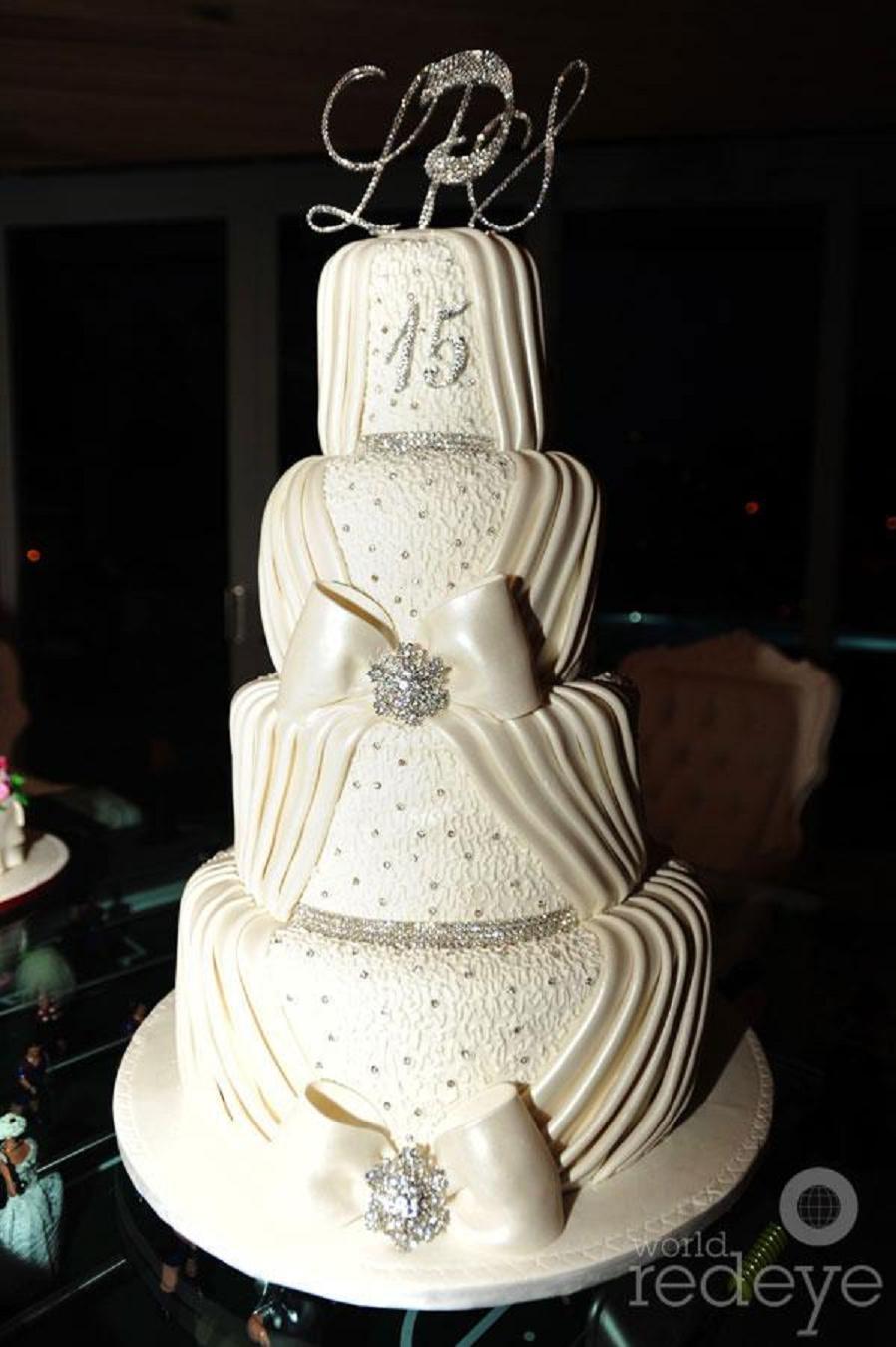 Divine Delicacies Custom Cakes Image 0 1