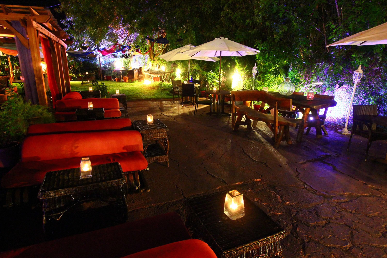 Eclectic eats restaurant lounge garden partyspace for Eclectic restaurant